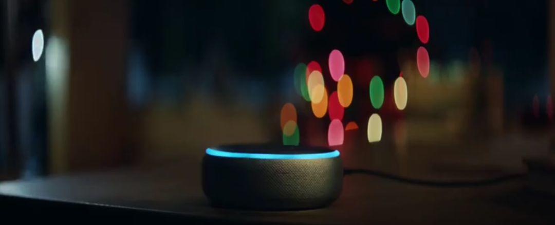 亚马逊圣诞广告上线,会唱歌的快递盒又回来了